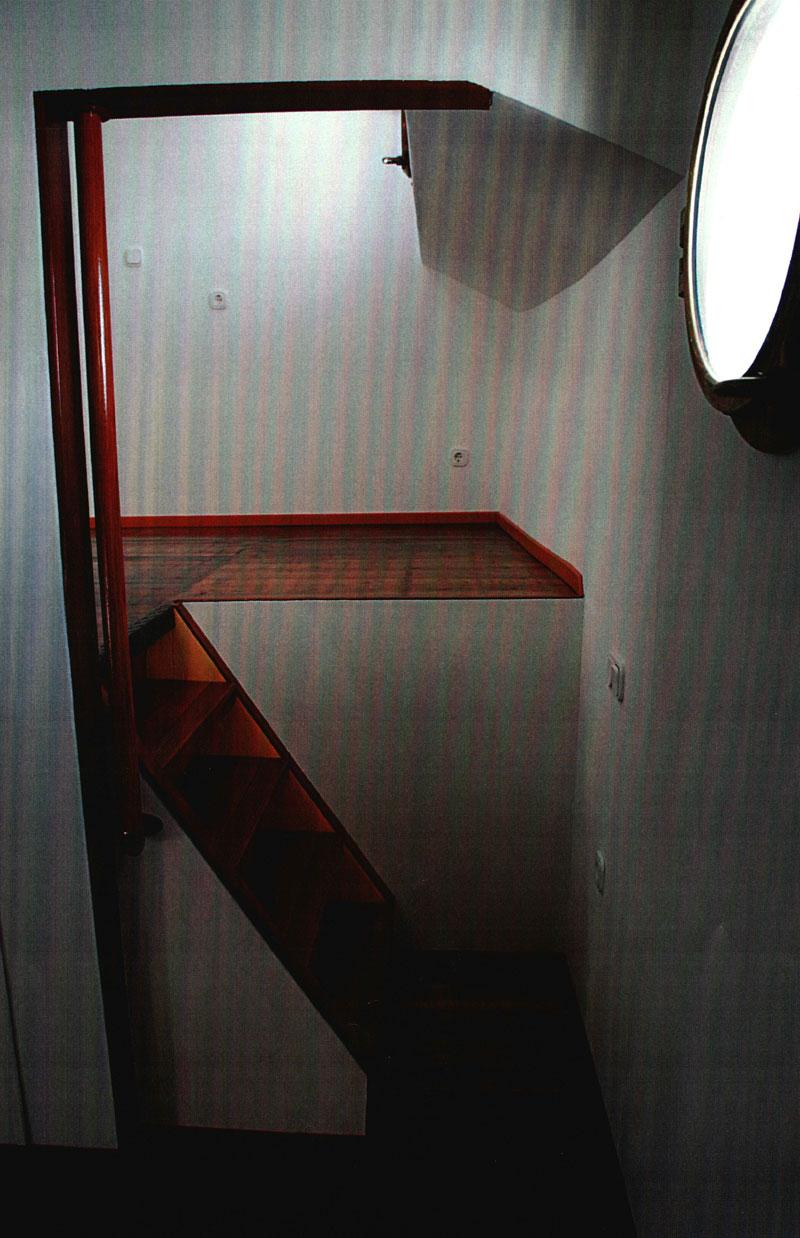 woonboot-tussenruimte-gang